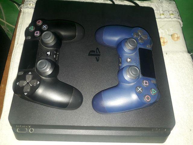 PS4 2 CONTROLES 4 MESES DE USO - Foto 2