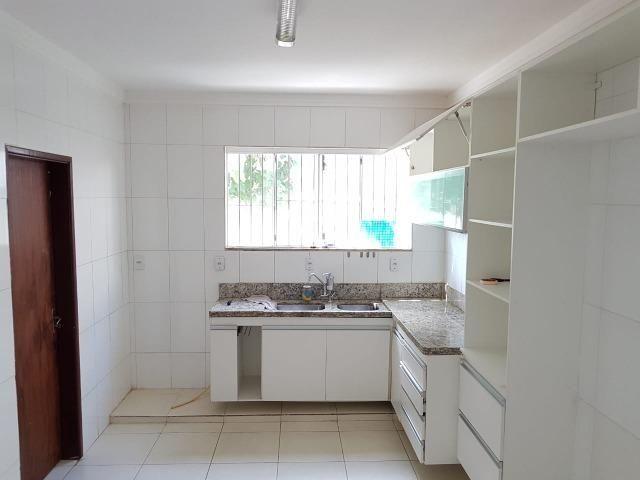 Itapuã Salvador Casa de 4/4 com 2 andares, rua sem saída - Foto 17
