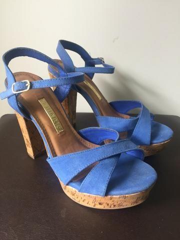 456734f28 Sandália azul royal Via Marte em ótimo estado - Roupas e calçados ...