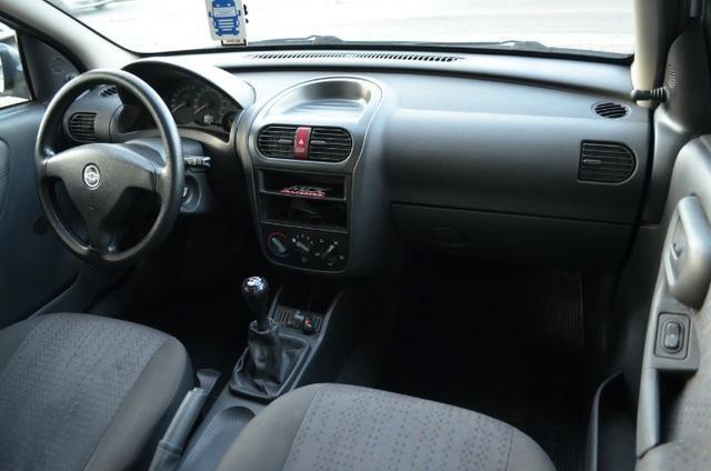 """Corsa Hatch Maxx 1.4 - Legalizado Baixo - Rodas aro 15"""" - Foto 11"""
