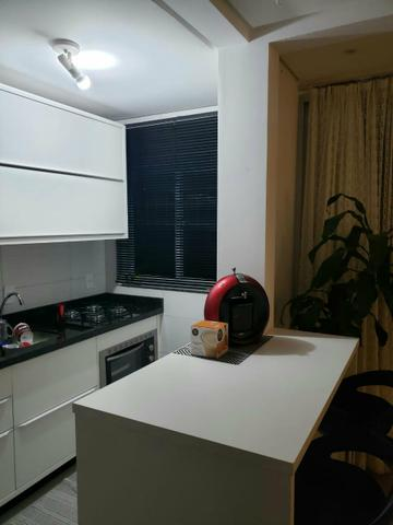 Apartamento semi mobiliado 2 dormitório sendo 1 suíte bem localizado nós ingleses - Foto 3