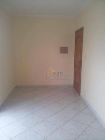 Apartamento com 2 dormitórios para alugar, 1 m² por R$ 1.800,00/mês - Vila Guilhermina - P - Foto 4