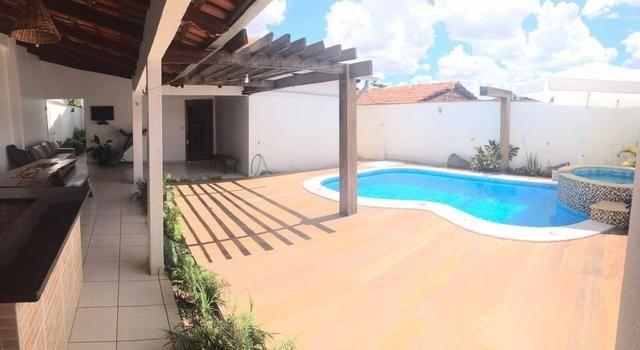 Casa maravilhosa com piscina dos sonhos - Ao lado da Rodoviária e 44 - Foto 2