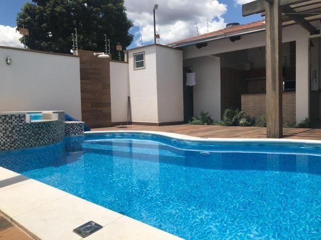 Casa maravilhosa com piscina dos sonhos - Ao lado da Rodoviária e 44 - Foto 7