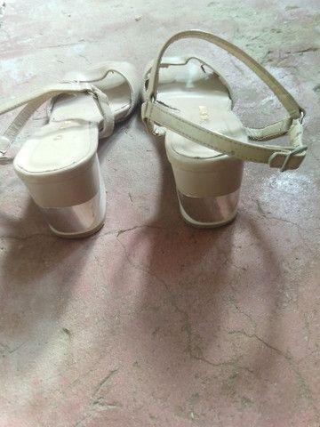 Sandália feminina 12 reais cada par - Foto 4