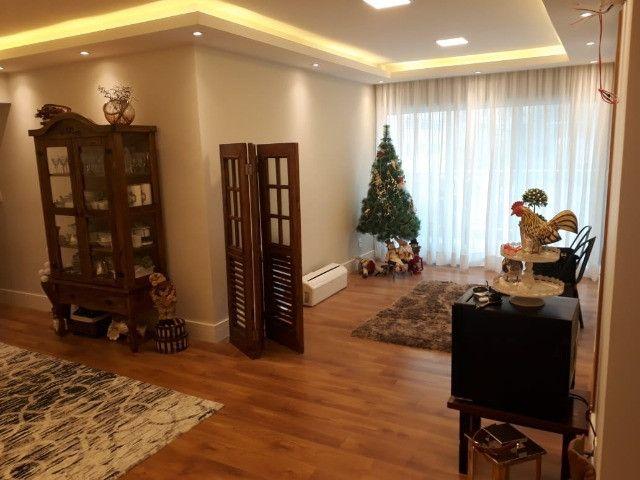 Apartamento 3 quartos , sendo 1 suíte- 2 Vagas-Proximo ao Centro- Petrópolis - RJ - Foto 2