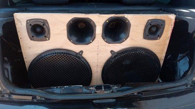 Vendo ou troco essa caixa de som por 500$ - Foto 3