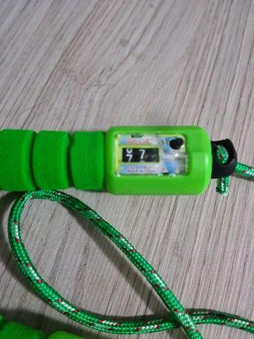 Corda para exercícios com contador de pulos  - Foto 2