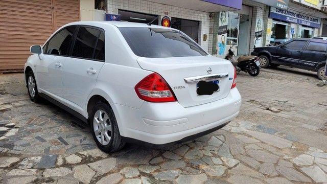 Nissan Tiida 2011 - Foto 3
