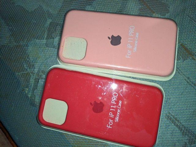 Vendo duas case iPhone 11 pro  - Foto 2