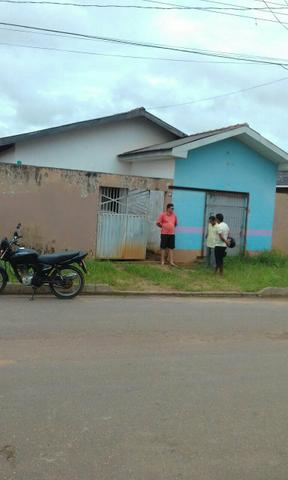 Vendo ótima casa bairro Cidade nova