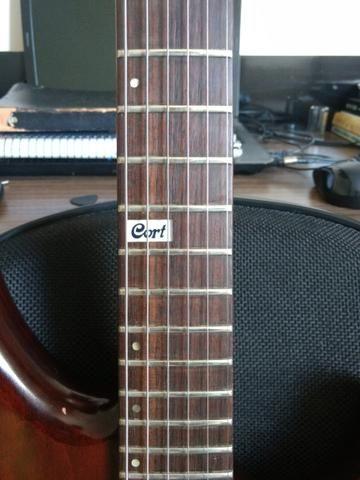 Guitarra Cort Custom - Foto 2