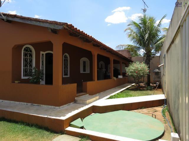 Vendo casa no setor de mansões, 3 quartos / suíte / piscina / churrasqueira / próximo a ca