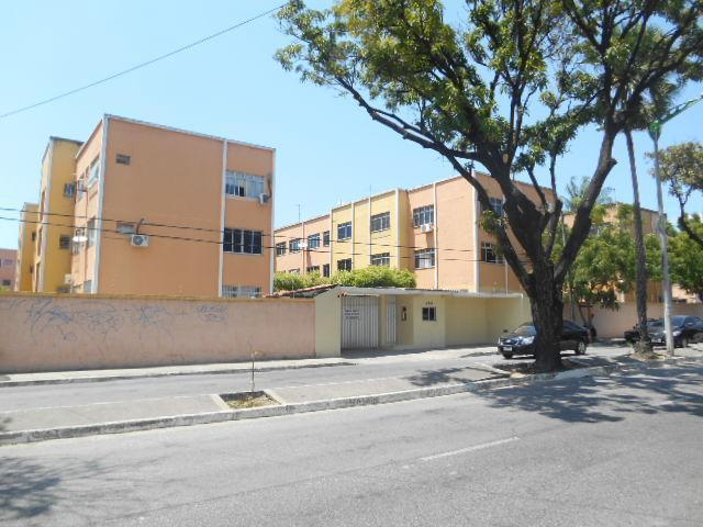 Apartamento à venda, 98 m² por R$ 185.000,00 - Montese - Fortaleza/CE