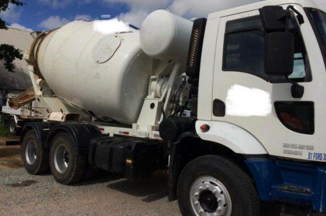 Ford cargo 2629 com betoneira  #Com sinal de : 25.500,00 + Parcelas . - Foto 2