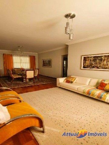 Excelente casa linear com estilo neoclássico, construída em terreno de 5.927 m² , 4 quarto - Foto 12