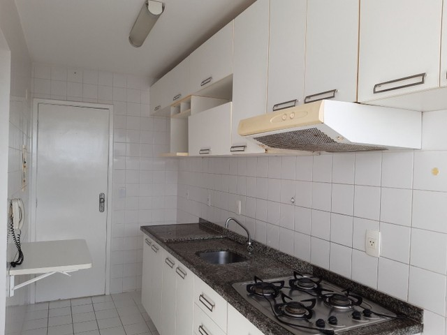 Apartamento com 2 dormitórios, sendo 2 suítes, 70 m² por R$ 1.400/mês - Cond. Solar do Atl - Foto 7