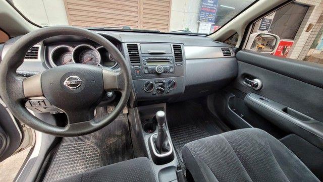 Nissan Tiida 2011 - Foto 5