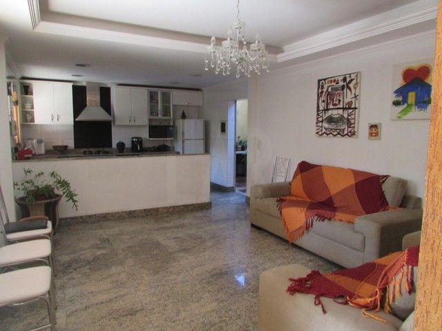 Casa à venda, 4 quartos, 3 suítes, 4 vagas, Braúnas - Belo Horizonte/MG