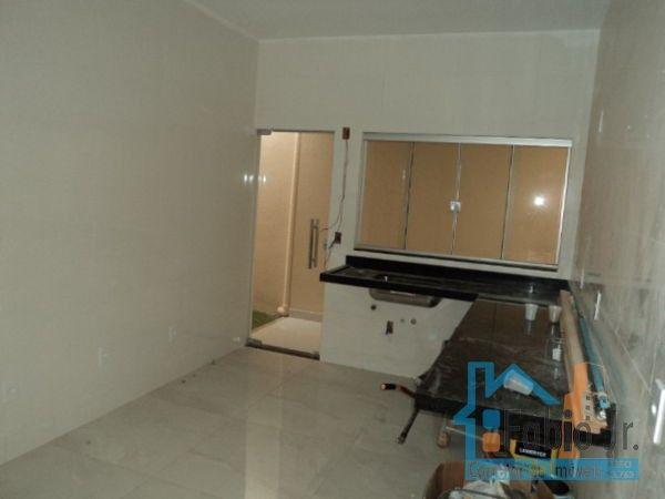 Casa com 3 quartos - Bairro Jardim Mont Serrat em Aparecida de Goiânia - Foto 3