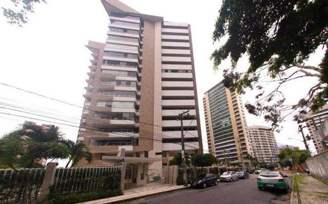 Apartamento com 5 suítes e 4 vagas no Ed. Granada e Toledo no Guararapes