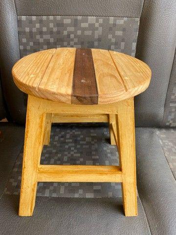 Banquinho de madeira  - Foto 4