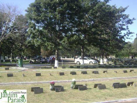 Jazigo lote terreno cemitério Paraíso