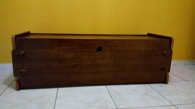 Baú grande em madeira maciça