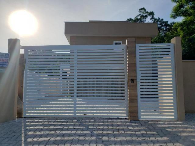 Casa duplex de primeira locação com 2 quartos e vaga em Itaiocaia Valley