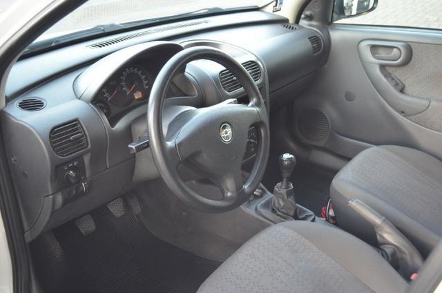 """Corsa Hatch Maxx 1.4 - Legalizado Baixo - Rodas aro 15"""" - Foto 10"""