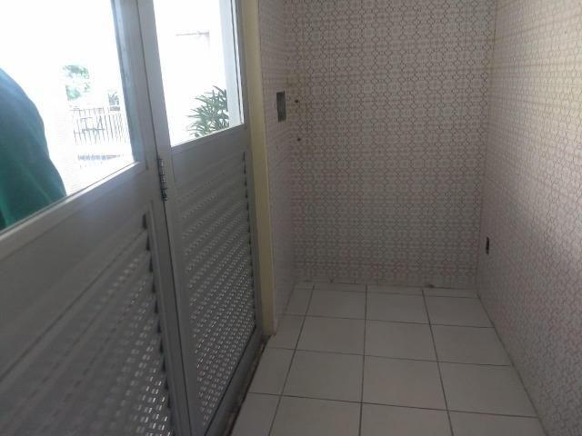Dois quartos na Barra - Excelente localização - Foto 6