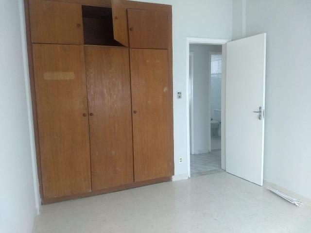 Dois quartos na Barra - Excelente localização - Foto 5