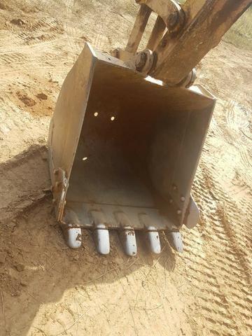 Escavadeira Komatsu PC130-8, ano 2013 (HE03) - Foto 6