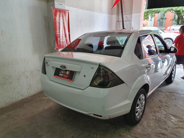 Fiesta Sedan 2013 1.6 1 mil de entrada Aércio Veículos d - Foto 3