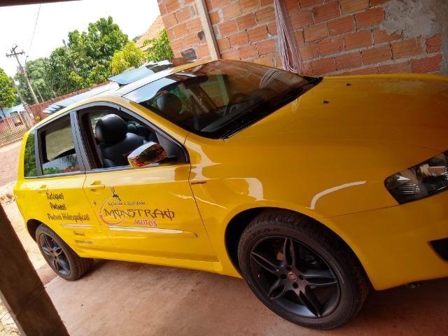 Troco stilo 1.8 Sporting dualogic carro muito conservado - Foto 2