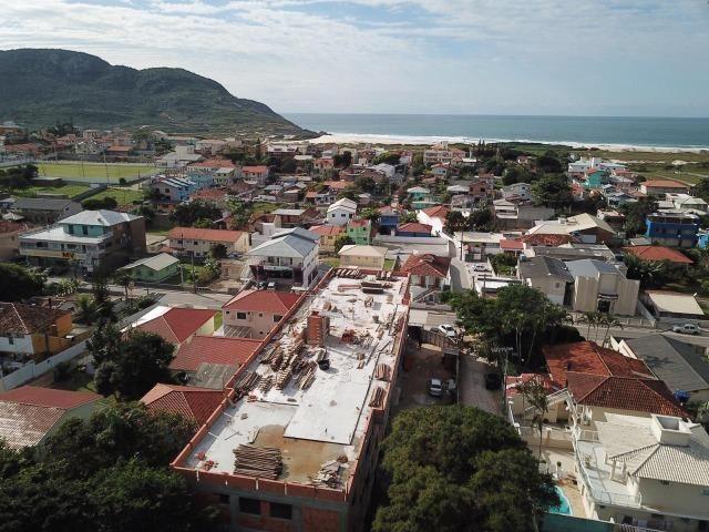 CR- Localizado na avenida principal do Santinho à 500 metros do mar - Foto 10