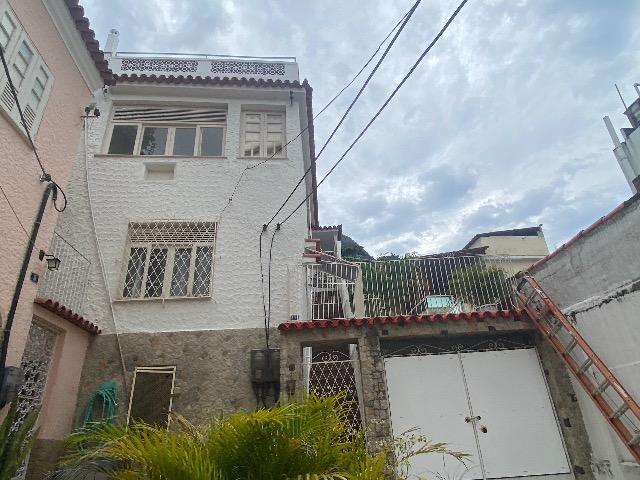 Casa de Vila com Terraço e Churrasqueira