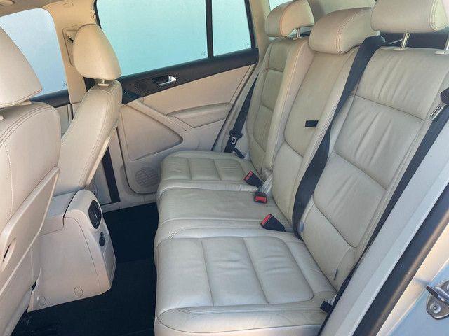 VW Tiguan 2.0 TSI 2011 top de linha com rodas 18, teto solar e interior caramelo - Foto 12