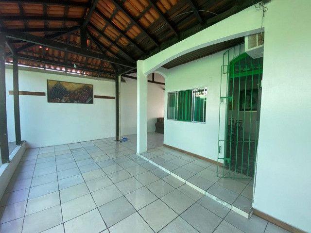 Casa no Julio Sefer, 3/4 sendo 01 suíte, muito ventilada, garagens - Foto 2