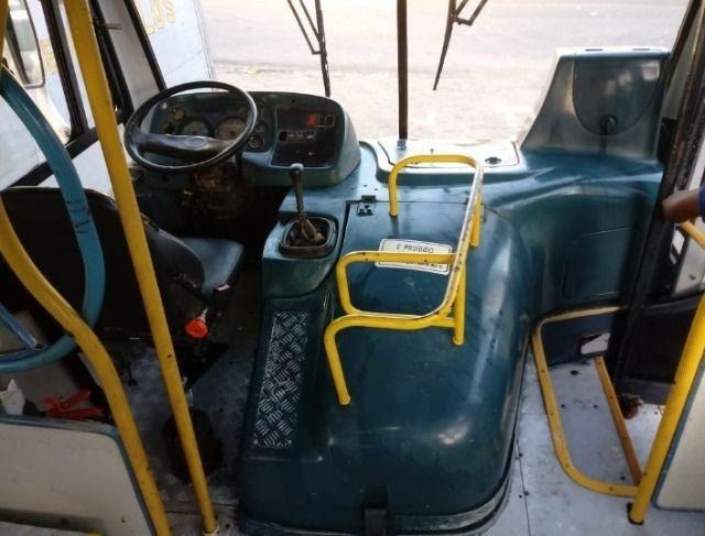 Ônibus urbano Caio Apache / !722 - 2006 - Foto 4