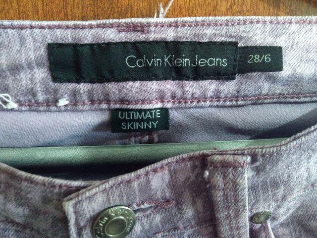 Calça Jeans Skinner da Calvin Klein - Foto 5