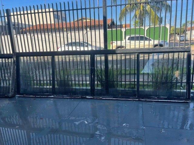 Vilas Boas/Janela de Ferro reforçada com Grade e Vidros em perfeito estado - Foto 3