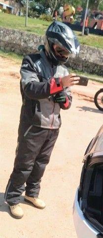 Baratíssimo. Conjunto jaqueta e calça de motociclista LS2 - Foto 2