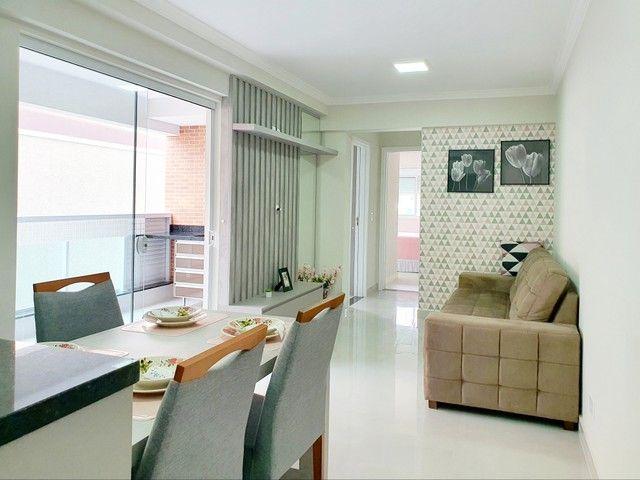 Apartamento de 2 dormitórios com uma suíte, 1 vaga coberta no Vila Fanny. Espaçosa sacada  - Foto 3