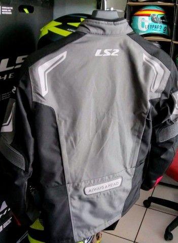 Baratíssimo. Conjunto jaqueta e calça de motociclista LS2 - Foto 4