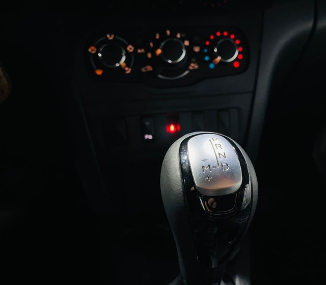 Sandero Zen 1.6 CVT Automático 2020 - Foto 15