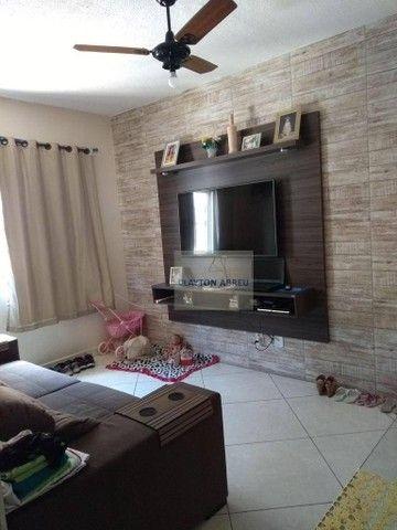 Apartamento com 2 dormitórios à venda, 59 m² por R$ 131.000,00 - Jockey - Vila Velha/ES