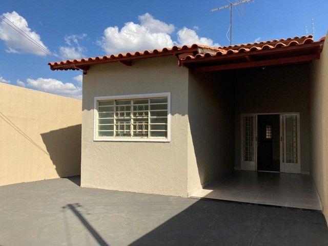 Casa de 130 metros quadrados no bairro Setor dos Bandeirantes com 3 quartos - Foto 4