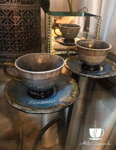 Canecas, xícaras personalizadas. Peças pintadas a mão. - Foto 3