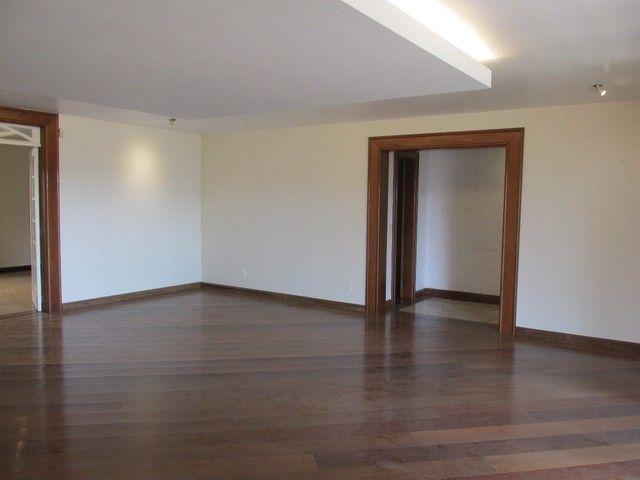 Casa à venda, 5 quartos, 1 suíte, 8 vagas, Cidade Jardim - Belo Horizonte/MG - Foto 2